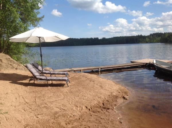 Hotel Pictures: Tilhi 1 Cottage, Piojärvi
