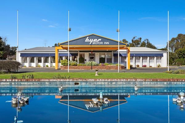 Hotel Pictures: Byer Fountain Motor Inn, Holbrook