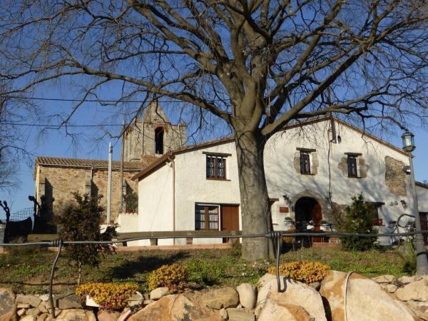 Hotel Pictures: Masia Can Felip, Llinars del Vallès