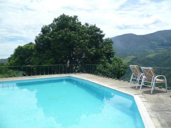 Hotel Pictures: Chinauta pool and view Countryhouse, Chinauta