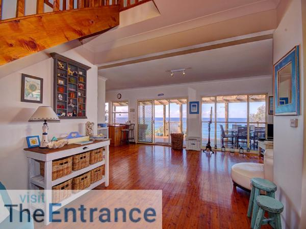 Hotel Pictures: Forresters Beach Front, Wamberal