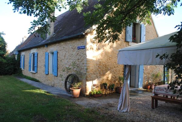 Hotel Pictures: The French Country Cottages - Les Chouettes Cottage and Barn, Trémolat