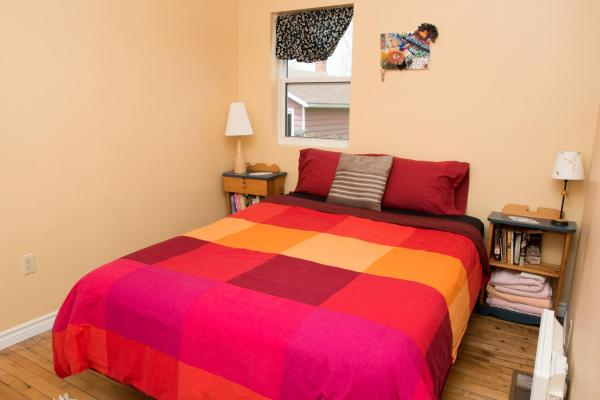 Hotel Pictures: Robins Gather - Furnished Suite, Stratford