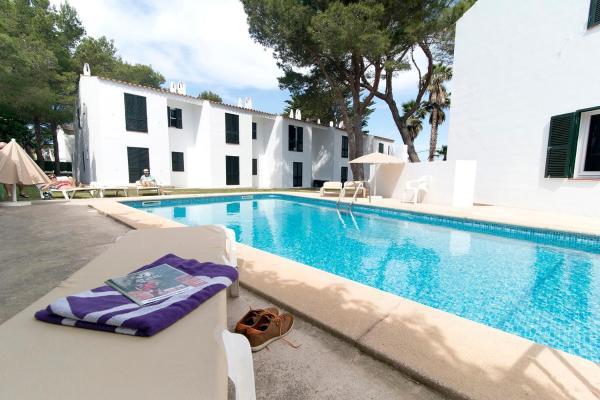 Hotel Pictures: Apartamentos Cala Blanca, Cala Blanca