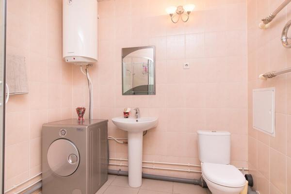 Hotelbilleder: Apartment on Hohryakova 74, 1 room flat, Yekaterinburg