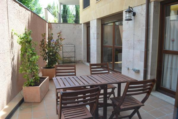 Two-Bedroom Apartment with Terrace and Indoor pool- Calle Gibraltar 18