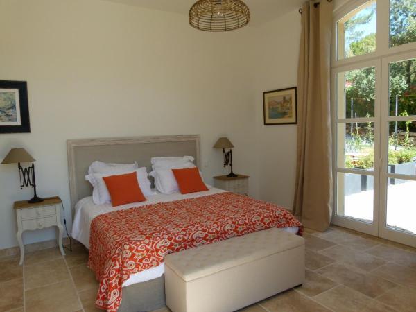 Hotel Pictures: La Bellestrelle, Saint-Marc-Jaumegarde