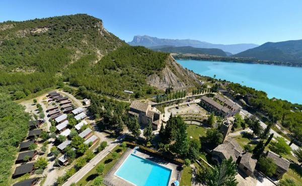 Hotel Pictures: Centro de Vacaciones Morillo de Tou, Morillo de Tou