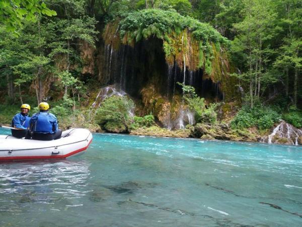 Foto Hotel: Rafting Camp Tara 87, Hum