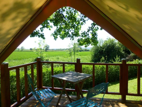 Hotel Pictures: Camping Vert Auxois, Pouilly-en-Auxois