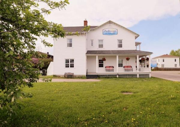 Hotel Pictures: Auberge Lac-Saint-Jean, Roberval