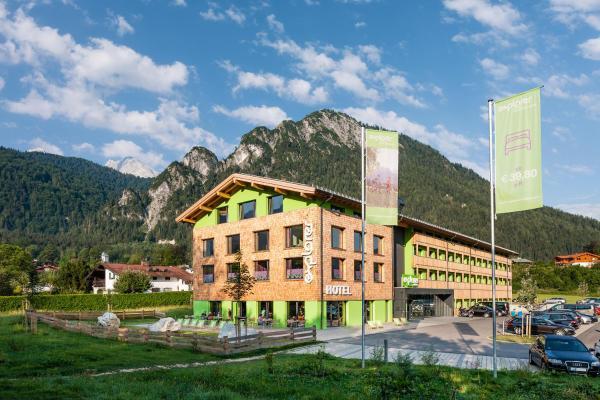 Hotel Pictures: Explorer Hotel Berchtesgaden, Schönau am Königssee