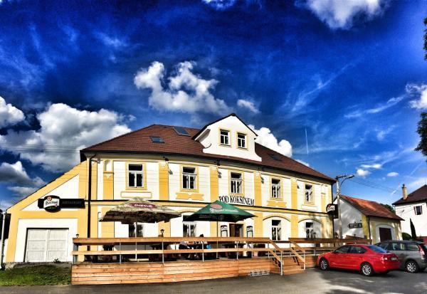 Hotel Pictures: Hotel Pod Kokšínem, Spálené Poříčí