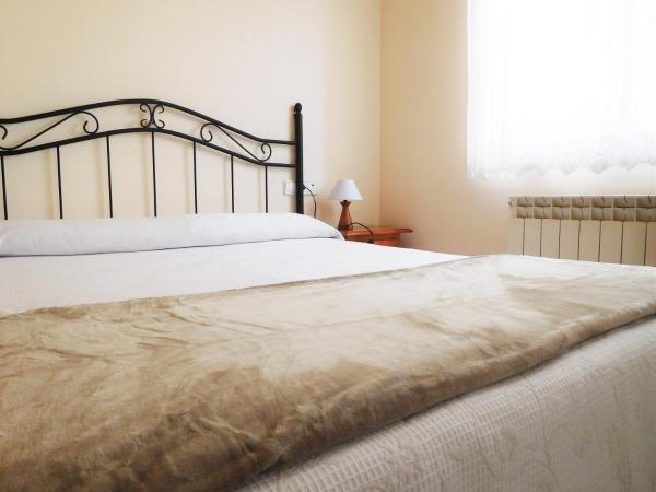 Hotel Pictures: Lleida Apartments II, Lleida