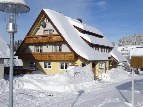 Hotel Pictures: Pension Haus Hubertus, Sankt Märgen