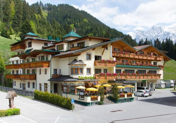 Hotelbilleder: Lärchenhof, Lermoos