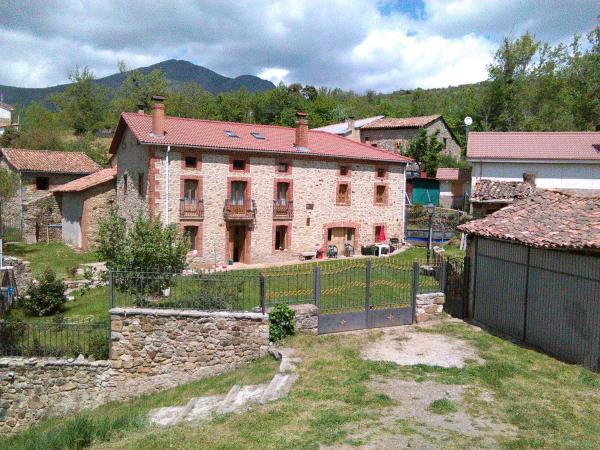 Hotel Pictures: Corral casiano, Prado de la Guzpeña