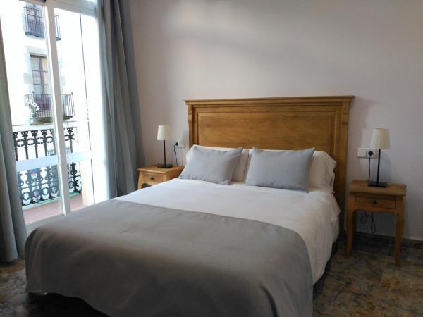 Hotel Pictures: Hostal Portofino, Arenys de Mar