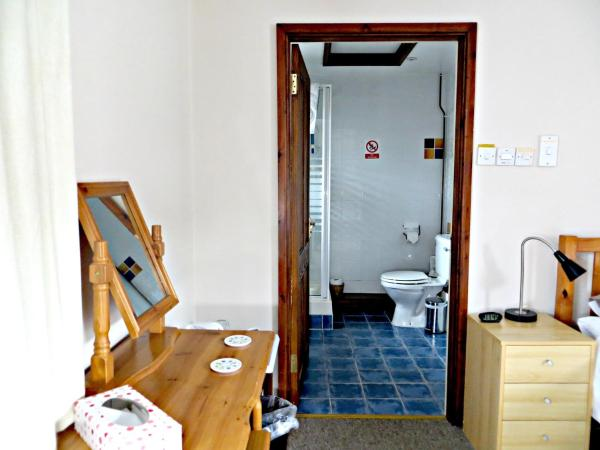 Triple Room (2 Adults + 1 Child)