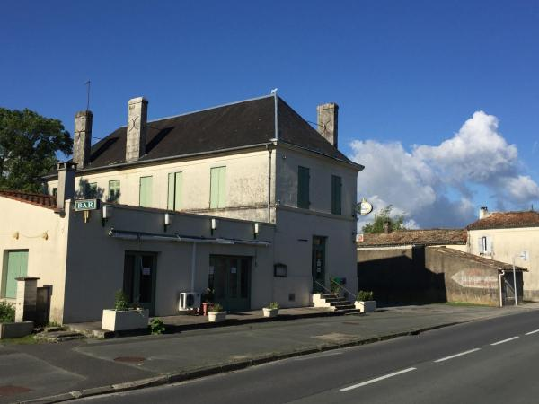 Hotel Pictures: , Saint-Ciers-du-Taillon
