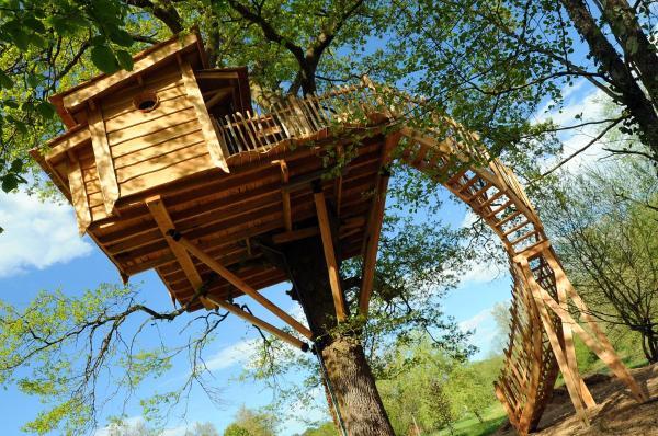 Hotel Pictures: La Cabane du Vieux Chêne, Susmiou