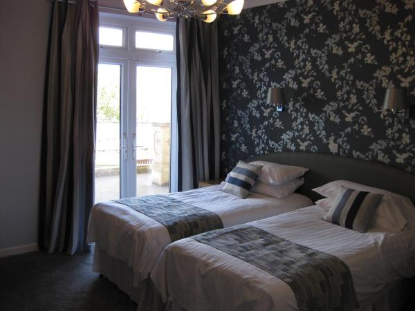 Twin Room with Sea View and Balcony