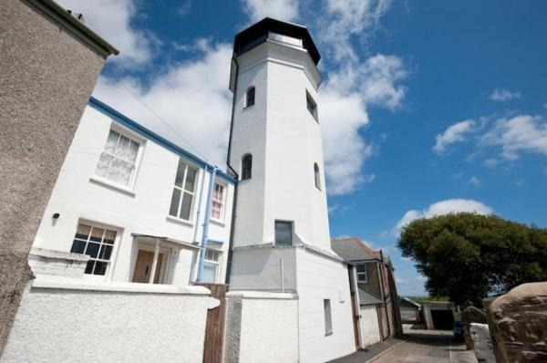 Hotel Pictures: The Observatory Tower 56101, Falmouth