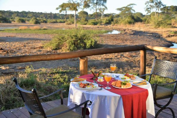 Hotel Pictures: Elephant Valley Lodge, Kasane