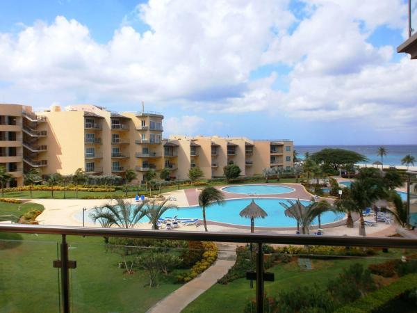 Hotel Pictures: Bella Vista Two-bedroom condo - BC356, Palm-Eagle Beach