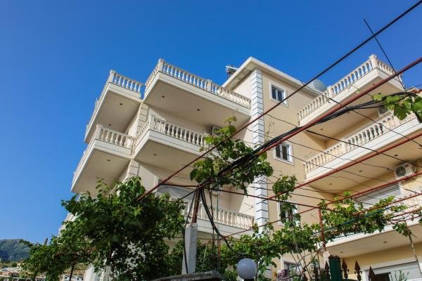 Hotellikuvia: Himara Apartments, Himare