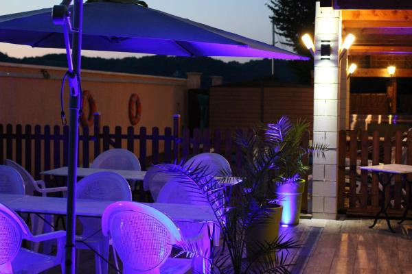 Hotel Pictures: , Saint-Thomas-en-Royans