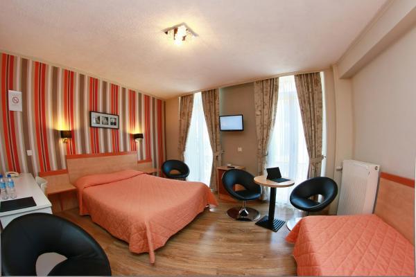Comfort Plus Family Room (2 Adults + 2 Children)