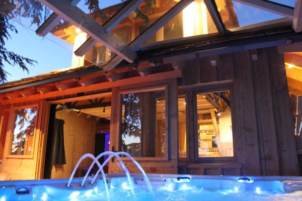 Treehouse with SPA