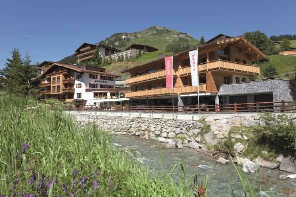 Foto Hotel: Hotel Auenhof, Lech am Arlberg