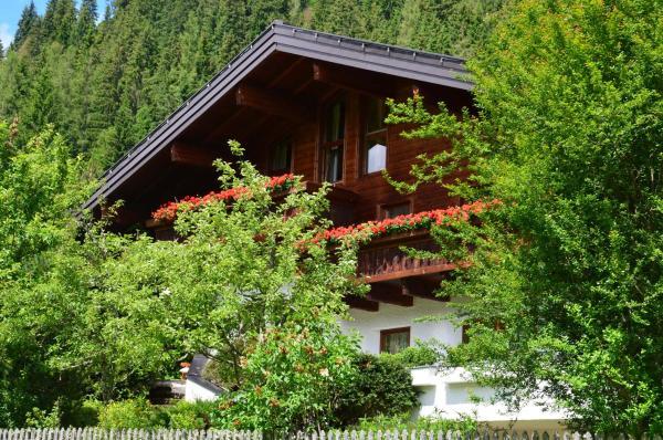 Hotel Pictures: Pension Landhaus Bernhofer, Eben im Pongau
