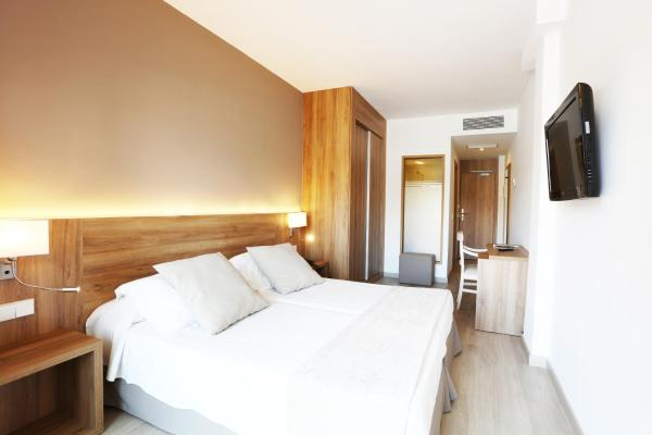 Double Room Single Use (1 Adult)