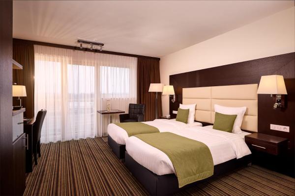 Foto Hotel: Hotel Charleroi Airport - Van Der Valk, Charleroi