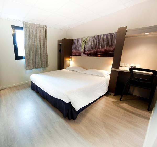 Hotel Pictures: P'tit Dej-Hôtel - Clermont Ferrand Sud, Aubière