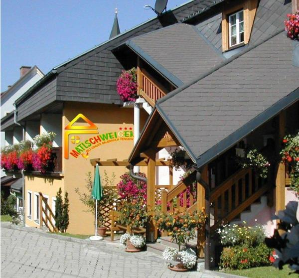 Foto Hotel: Bio-Bauernhof-Hotel Matlschweiger, Lassing