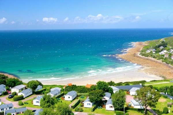 Hotel Pictures: Camping l'Anse du Brick, Maupertus-sur-Mer