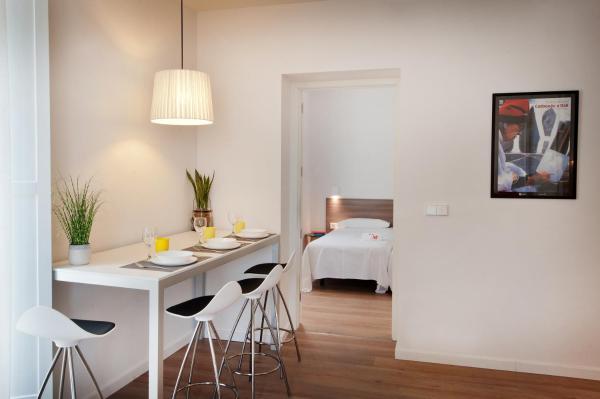 Apartment with Balcony - Second Floor