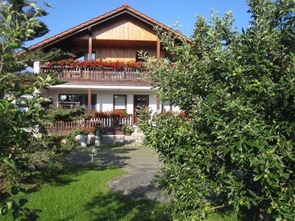 Hotel Pictures: Apartmenthaus 'Hohes Rott', Heilbad Heiligenstadt