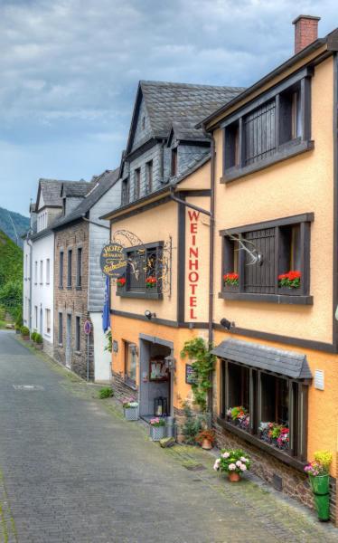 Hotel Pictures: Weinhotel Hubertus, Klotten