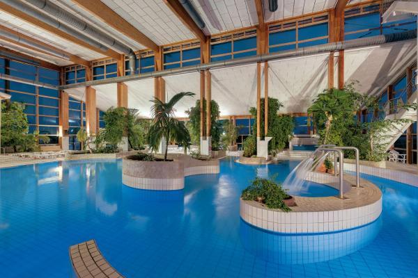 Hotel Pictures: Precise Resort Rügen - Apartments & SPLASH Erlebniswelt, Sagard