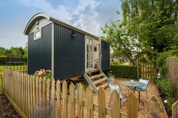 Hotel Pictures: Dolly Blue at Lowlands, Ringwood