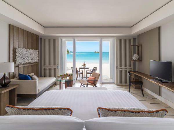 Junior Suite Hibiscus Beach access