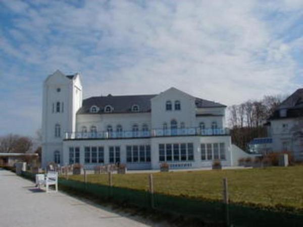 Hotel Pictures: Haus Bischofsstab - Turmwohnung am Meer, Heiligendamm
