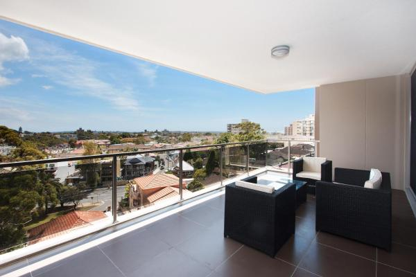 Hotel Pictures: W19S 2BR Bondi Junction - Uptown Apartments, Sydney