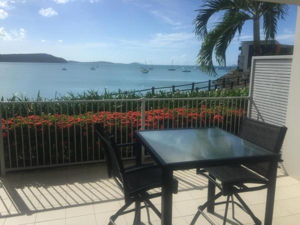 Hotelbilleder: Absolute Waterfront 1 Bedroom Apartment, Airlie Beach