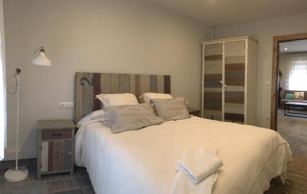 Hotel Pictures: La Casica Bardenera, Valtierra